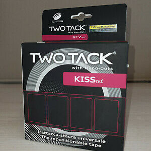 TWO TACK kiss cut
